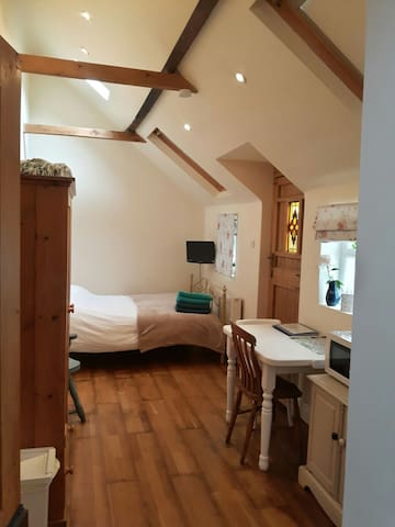 Annexe - Ideal base for Petersfield & South Downs