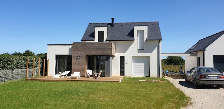 Maison moderne avec vue sur mer