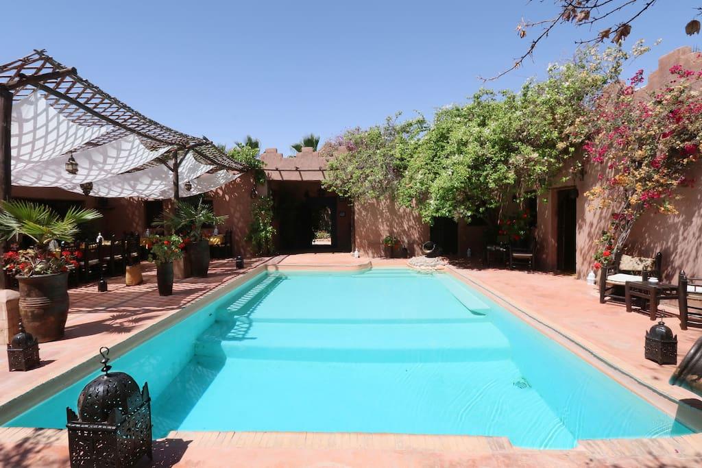 Une piscine pour des baignades en toute intimité.