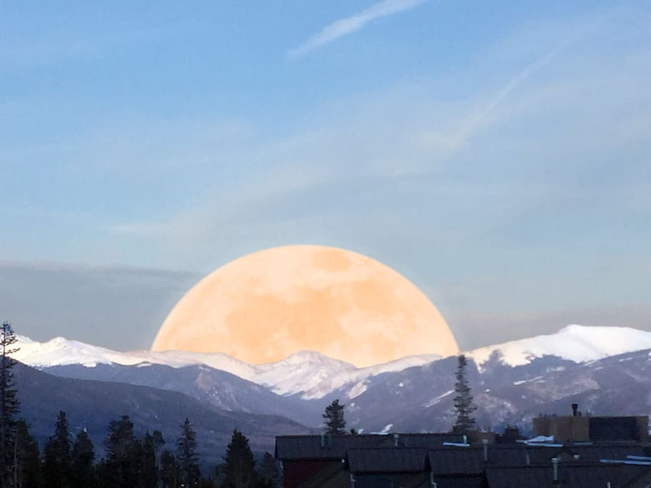 A magical full moon looking east