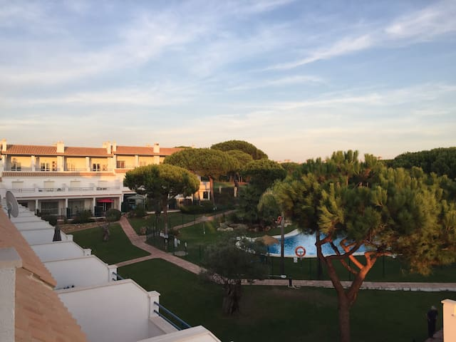 Sunny, 3 floor villa on golf course - El Portil