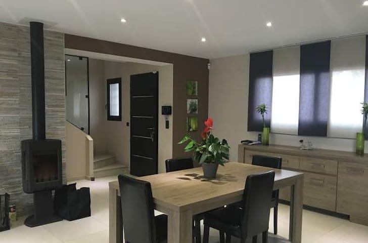 Villa moderne tout confort - Baho - Villa
