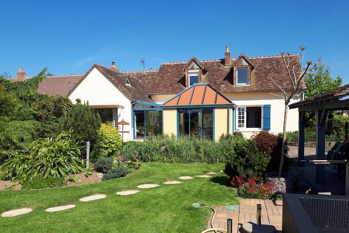 Villa + piscine située à proximité des 24h du Mans