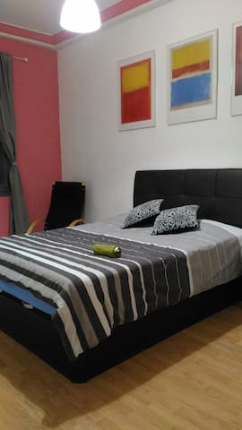 Buen ambiente familiar muy acogedor - Madrid - Haus