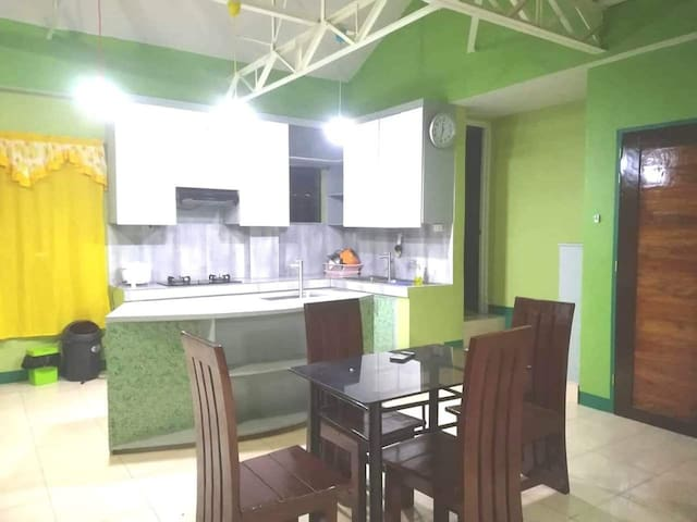 H n' M Baguio home stay