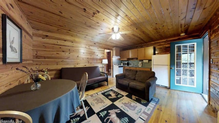 COZY WATERFRONT LOG CABIN #2 --- COZY ACRES LODGE