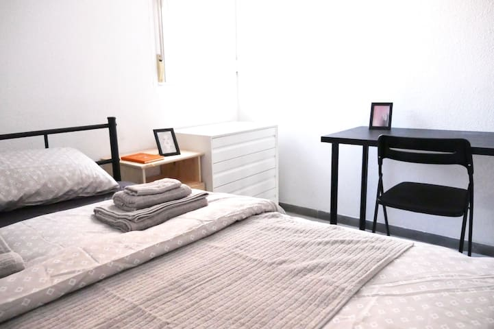 ---Welcome to Madrid!New decorate and clean home