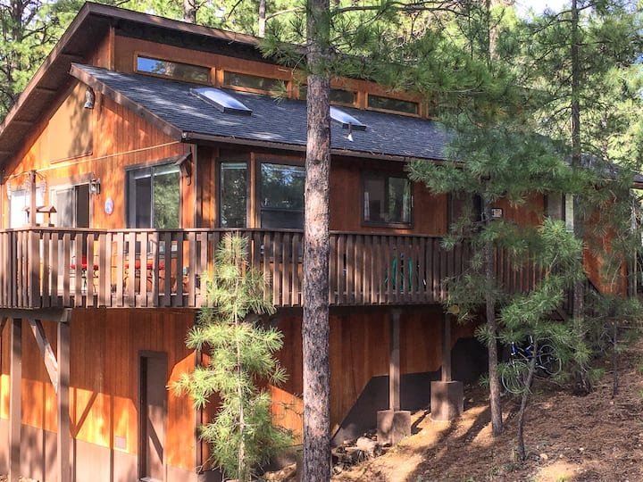 Ponderosa Vista ~ Your Forest View Getaway