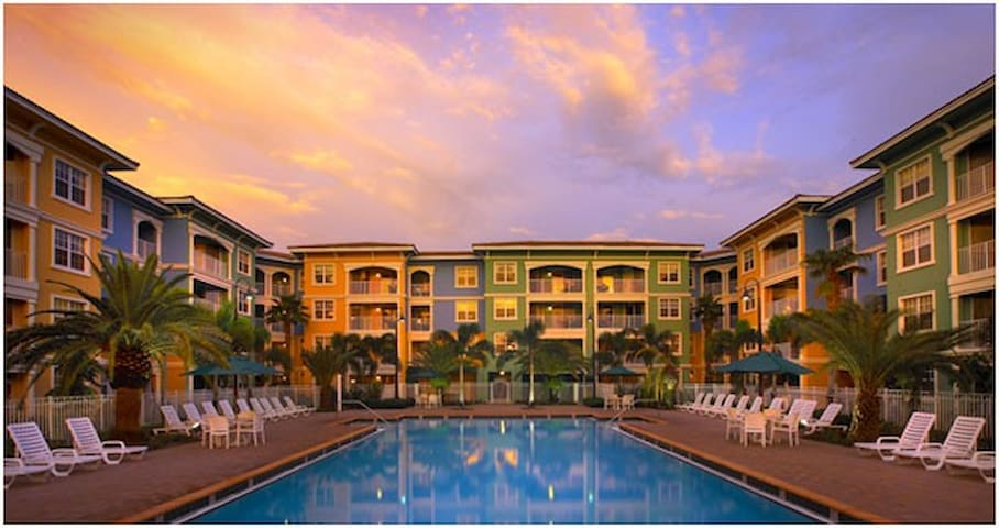 Mizner Place: 1-BR Type B, Sleeps 4, Kitchen