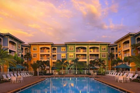 Mizner Place: 1-BR Type B, Sleeps 4, Full Kitchen - Weston - Villa