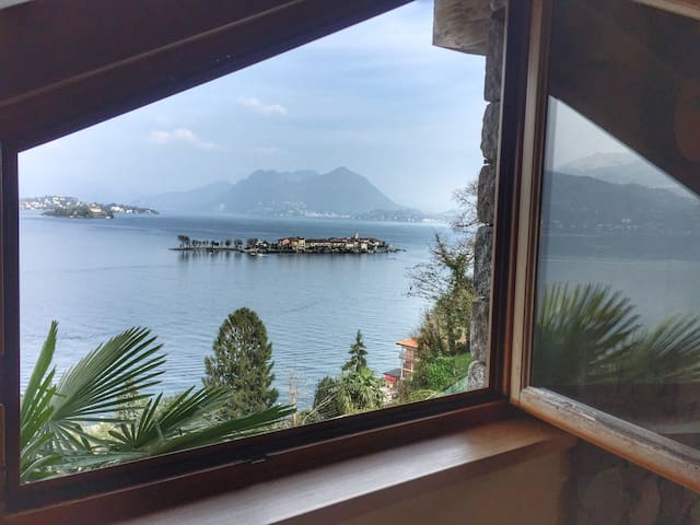 Coco small villa in the center of Roncaro in Baveno with lakeview