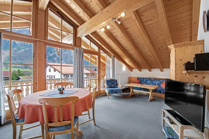 """Charming Apartment """"Rechenberg"""" with Mountain View, Wi-Fi, Balcony"""