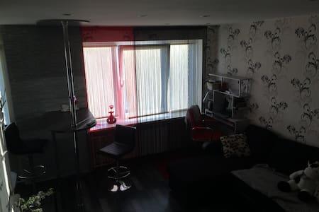 Уютная  квартира рядом с центром. - Narva - Appartement