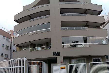 Apto Bombinhas (praia de Bombas) -202/2 dormitório