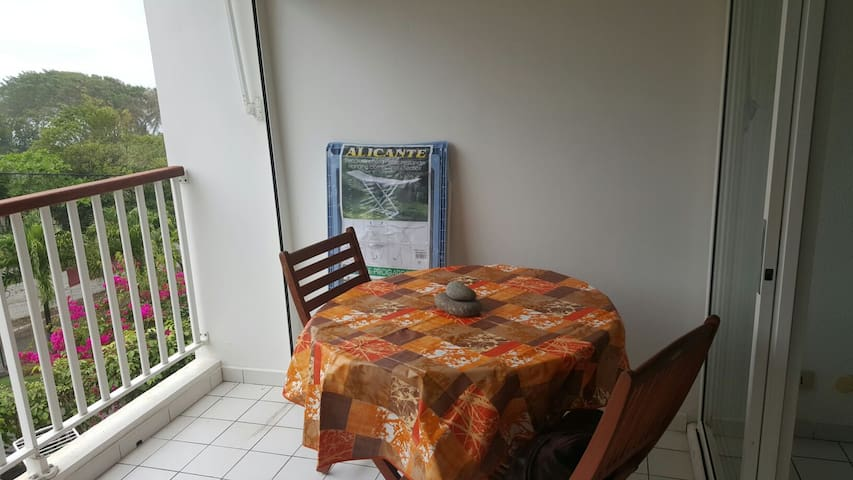 Beau studio en bord de mer - Le Moule - Lägenhet