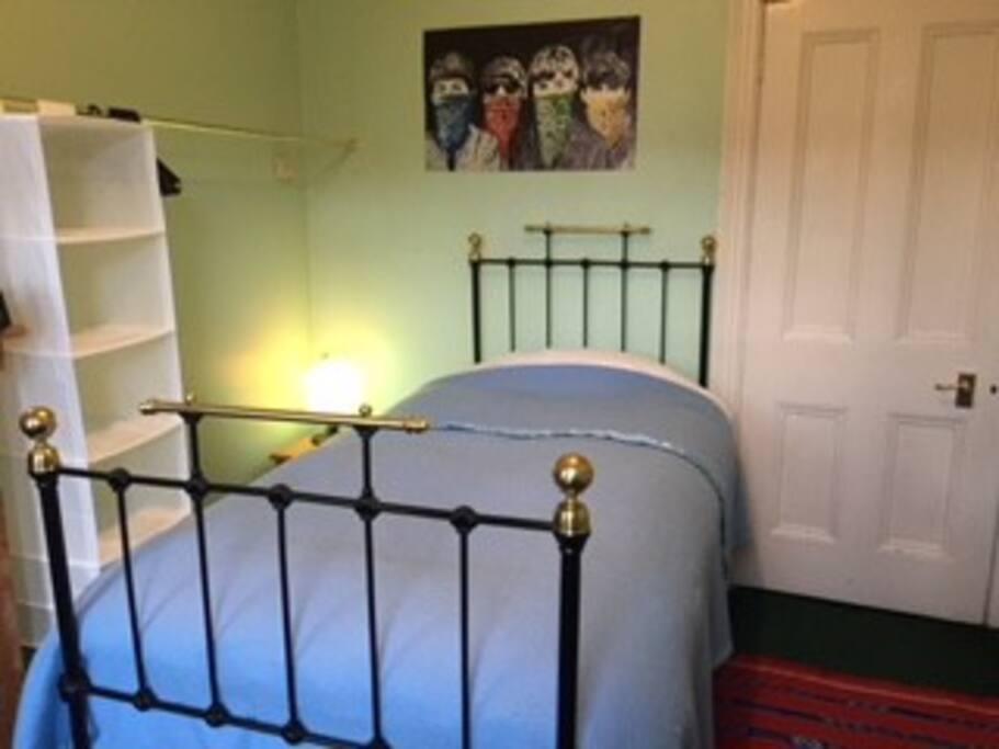 Cosy room, open plan closet