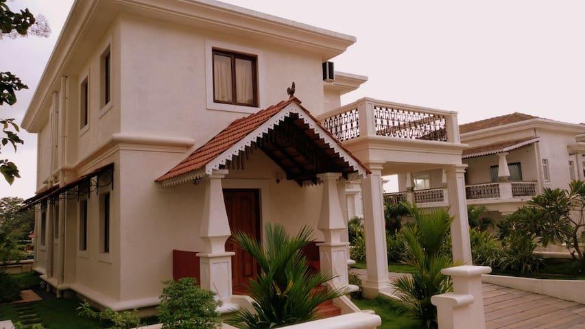 Premium 3BR AC Villa with Pool View # 19 - North Goa - Villa