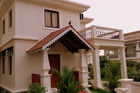 Premium 3BR AC Villa with Pool View # 19 - North Goa