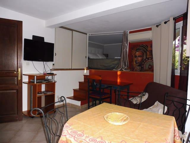 Studio mezzanine à 15 min d'Ajaccio - Peri - Apartament