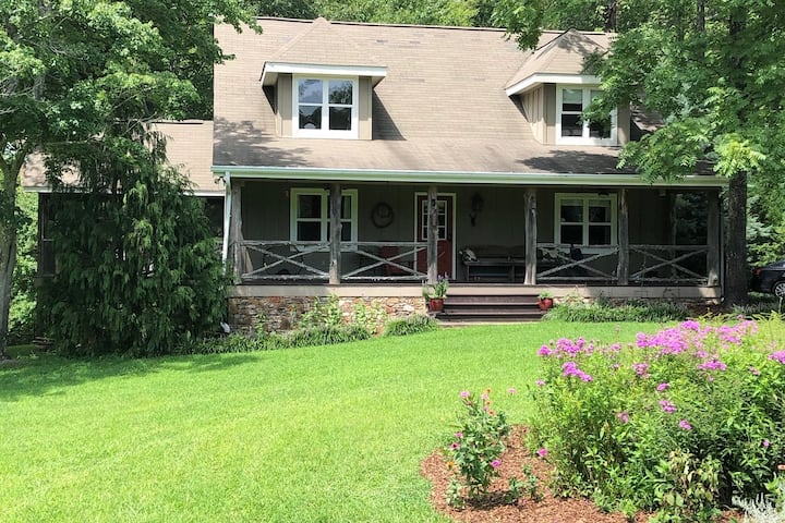 •Quality Cottage on Mtn near Cloudland Canyon