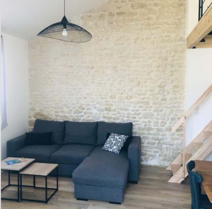 Appartement moderne, jardinet, proche centre-ville