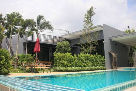 Nice 2BD Pool villa/wifi/upto6/D/