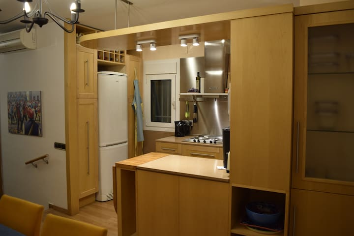 Kitchen, seen from diningroom.