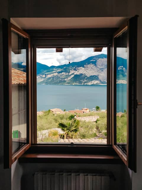 WOW-VIEW COZY HOUSE for 2-6 persons @Garda_Dom