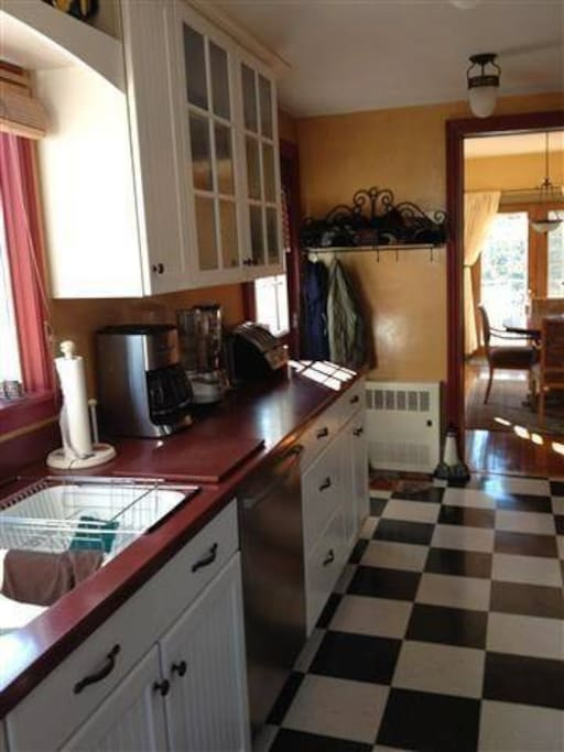 Full Kitchen with gas stove/oven and microwave.