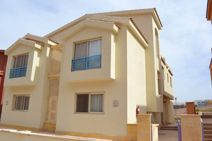 Villa with 5 bedrooms in Porto Al Sokhna Resort