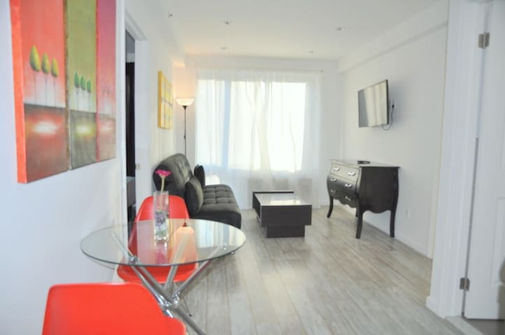 NICE 2 BED APT NEAR TIME SQUARE