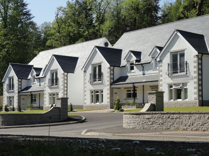 Stunning apartment in the heart of the Highlands