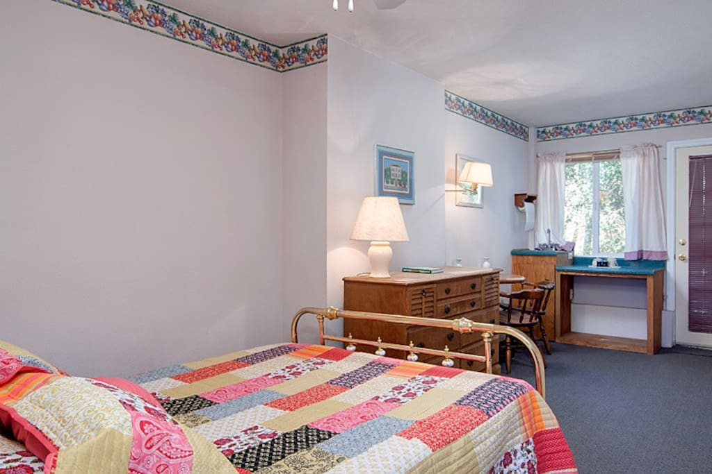 One of the many bedrooms at Julian Wagon Wheel Retreat.