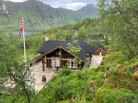 Beautiful and modern house 40 minutes from Lofoten