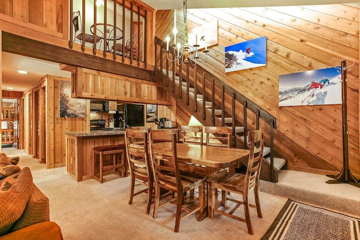 Short Walk to Bus Stop For Easy Mountain Access, Hot Tub, Seasonal Pool & Parking, East Vail Condo!