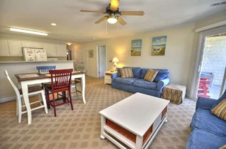 Ocean Walk 4204-3 Bedroom/2.5 Bath-Pool & Elevator