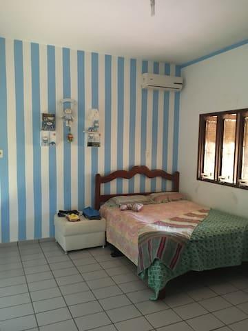 Um quarto no sítio da vovó joia