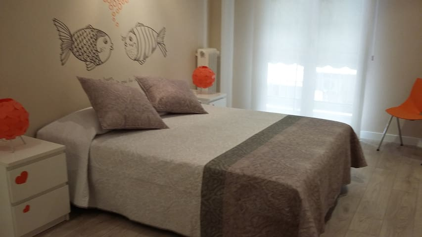 Lovely 2-bedrooms apartment at the city centerWIFI - Logroño - Byt
