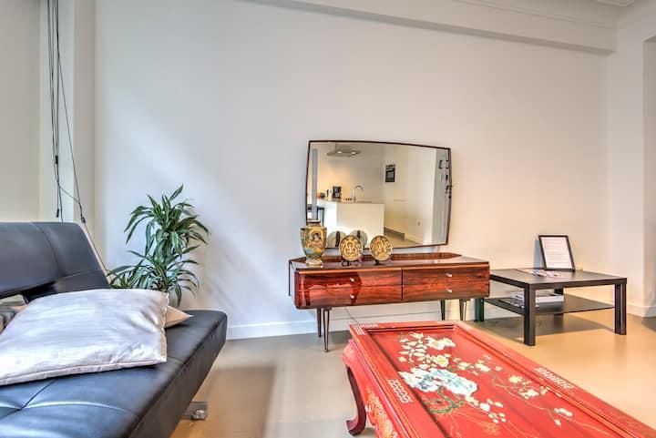 Meir Lodge. Apartment Central Antwerp 3L