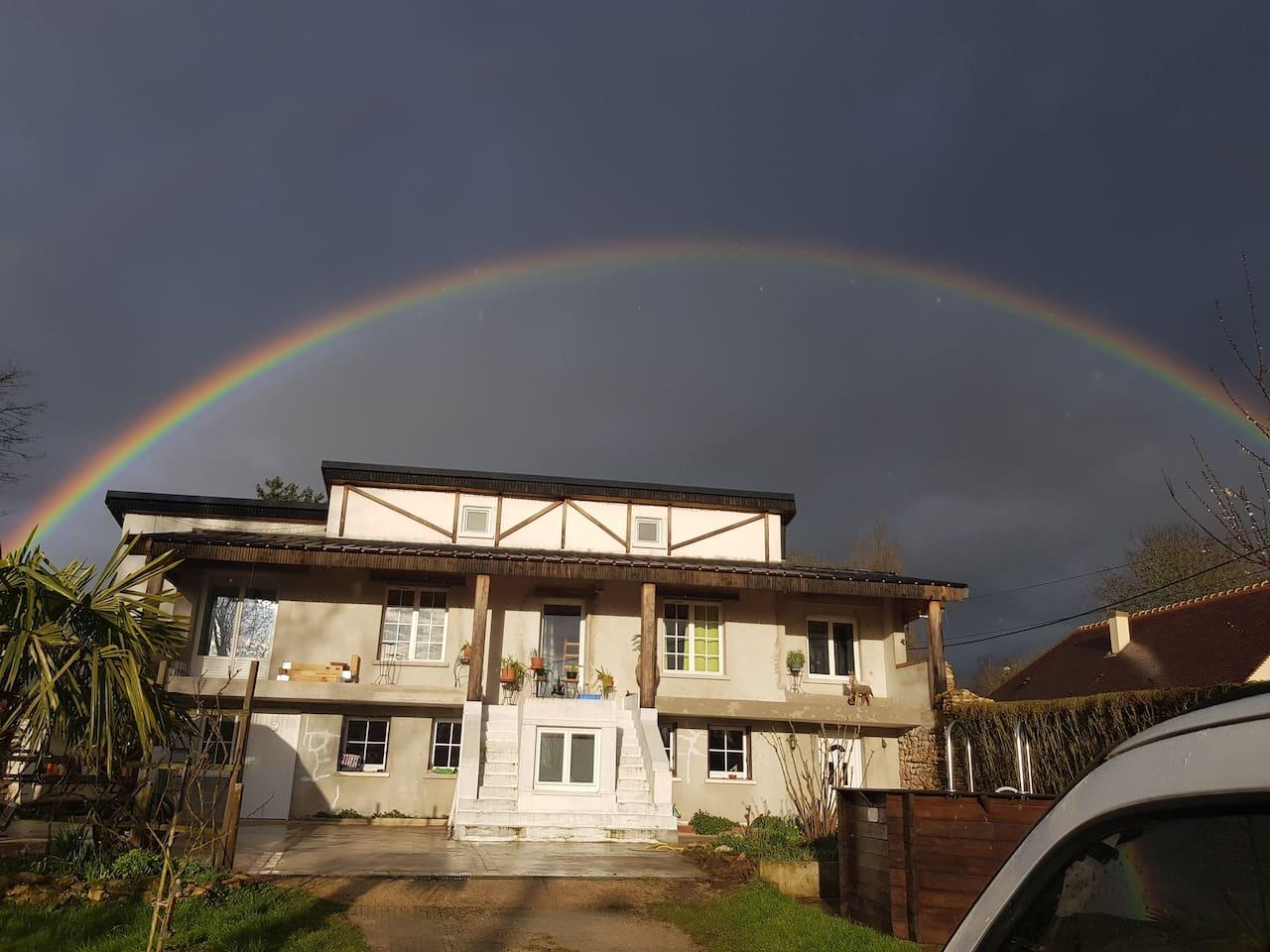 Notre maison, le studio se trouve en bas au RDC