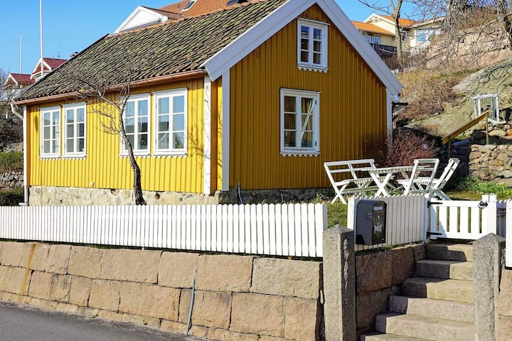 5 person holiday home in GREBBESTAD