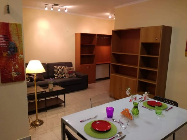 2. Sea view and beach apt. for 3 in Rhodes centre!