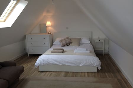 Self contained studio, close to Wittering beach