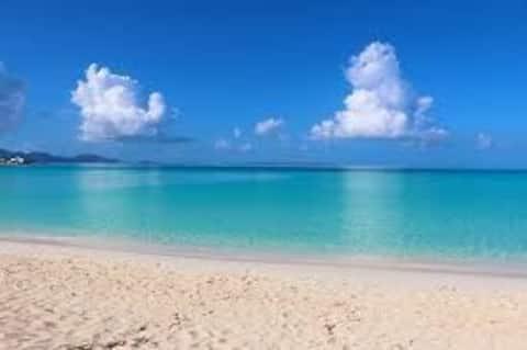 White Sands -spacious, clean, 5 mins walk to beach