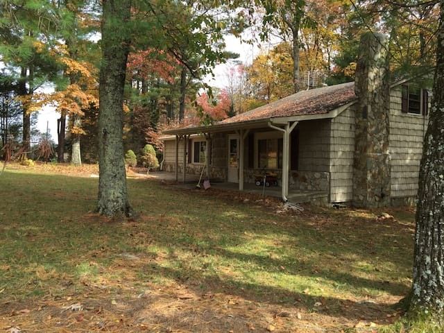 2BD, 2 BA home in Glade Valley - Glade Valley - Haus
