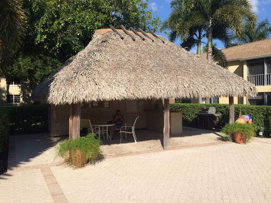 Chickee Hut for outdoor dining, mailboxes, grill