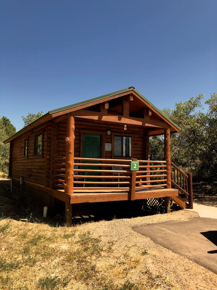 Front view of the cabin and front porch area.