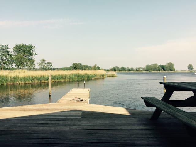 Prachtige woning aan 'de Groene Ster'natuurgebied! - Leeuwarden - Casa