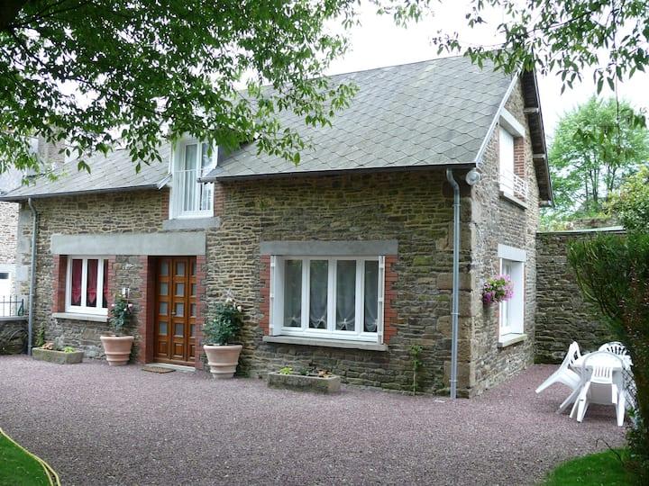 Maison de bourg proche du Mont-St-Michel