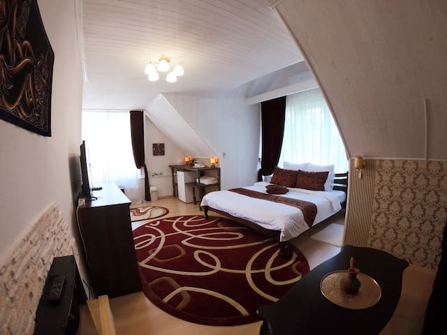 Номер Tower Suite на Villa Rose